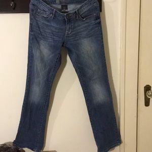 Size 4 modern bootcut jean